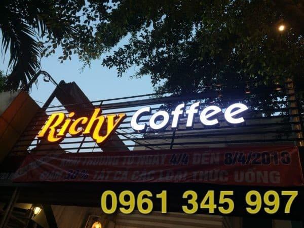 Làm bảng hiệu quán cafe đẹp để thu hút nhiều khách hơn