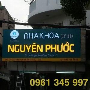 Thi công bảng hiệu Nha Khoa Phú Mỹ Hưng