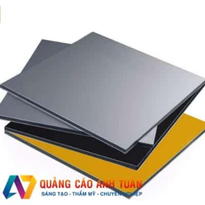 Ưu Và Nhược Điểm Cửa Tấm Aluminium Khi Làm Bảng Quảng Cáo